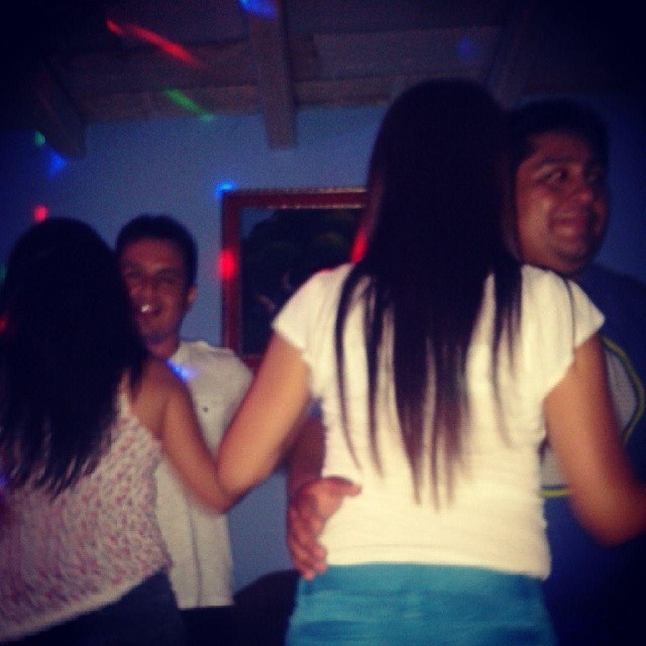 Baile ... noche de salsa Igersperu Salsa Friends Moments time
