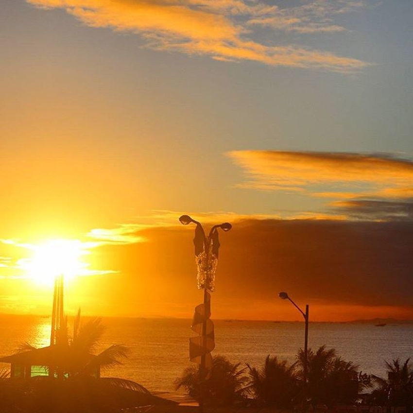 Appreciate where you are in your journey, even if it's not where you want to be. Sunset_philippines Igersphilippines Super_photosunsets Igersmanila Sunrise_sunset_worldwide Sunrise_sunsets_aroundworld WheninMOA Tuklaspinas_takipsilim Tuklas_pinastakipsilim Sunsetshots Travel_captures Travelphotos Travel Instagram GrammerPH Litratistadavao Dailylitrato Fotografia Tourismphl Manilabay IGDaily ©BrixtonDaza