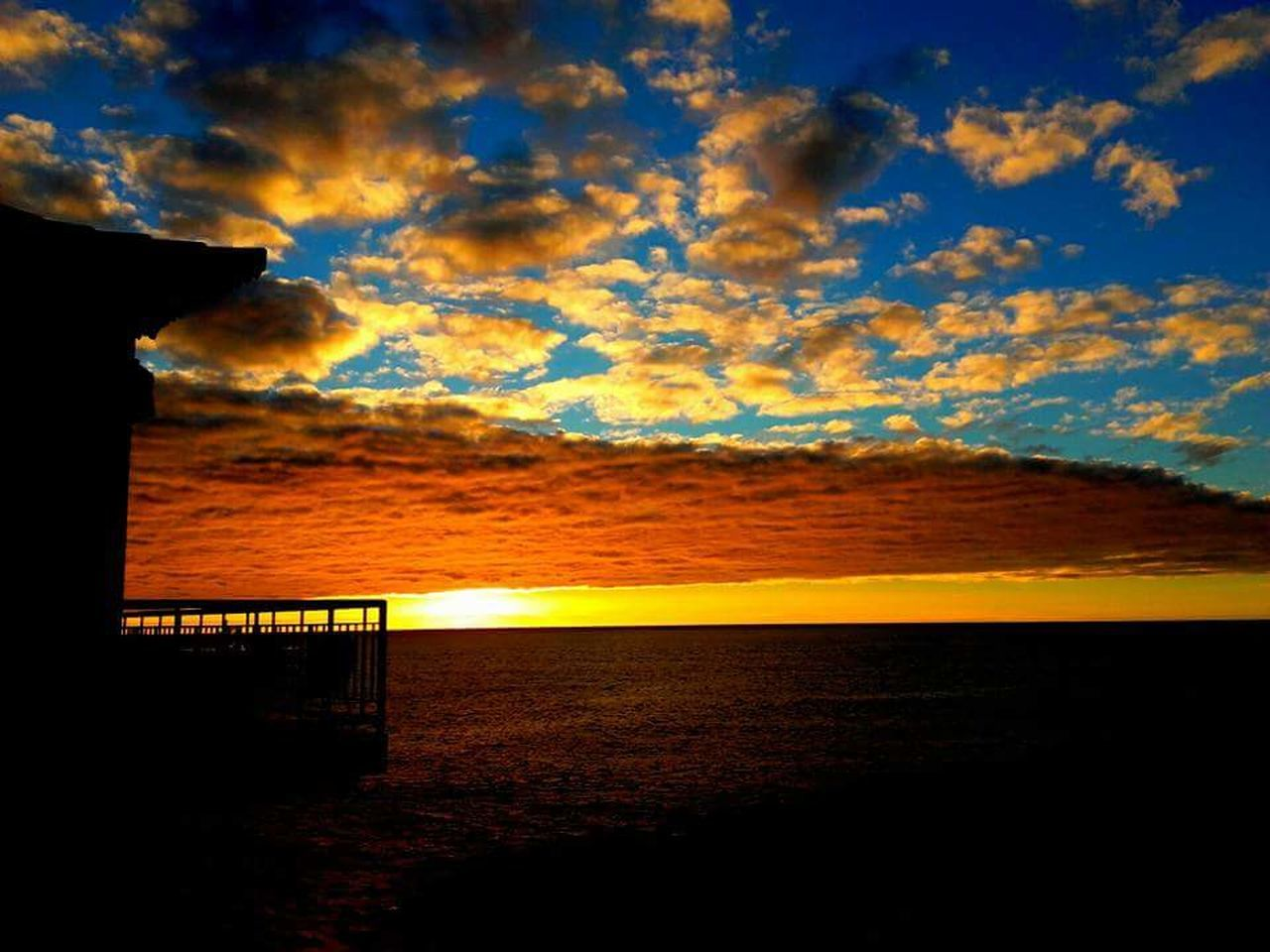sea, sunset, scenics, cloud - sky, nature, sky, water, tranquility, outdoors, no people, beach, horizon over water, beauty in nature, mountain, day
