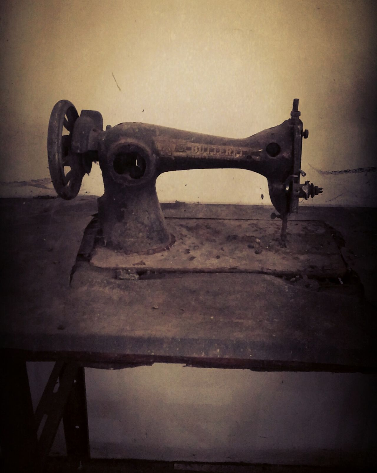 Old-fashioned Antique Machine Machine Tool Machine Part No People Fashion Machine Metal Industry Sculpture Industrial Photoseller Sell Forsalephoto Sellphotos Sellphoto Forsale Selling Photos