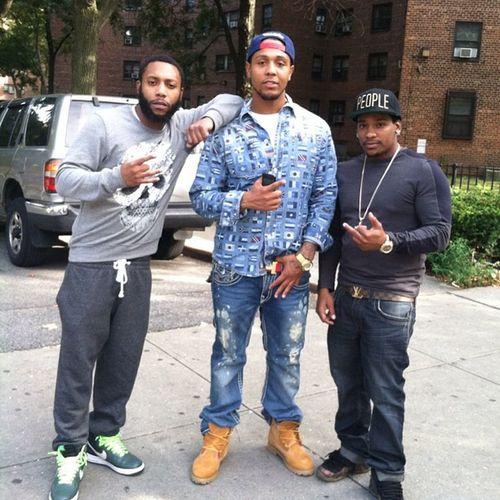 Macking wit the day 1 niggas. Harlem aint harlem wit out em @bom_93warrior @floss_moneyy LiteWave AtgLife 15thLenox