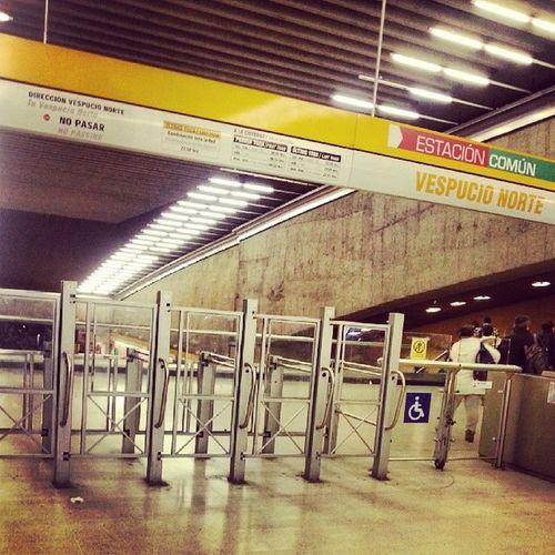 Subte Estación Linea2 Train undergroundvespucio