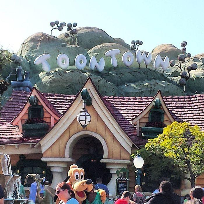 Toon Town! Disney Toontown Funinthesun  Mysonandi photooftheday pluto