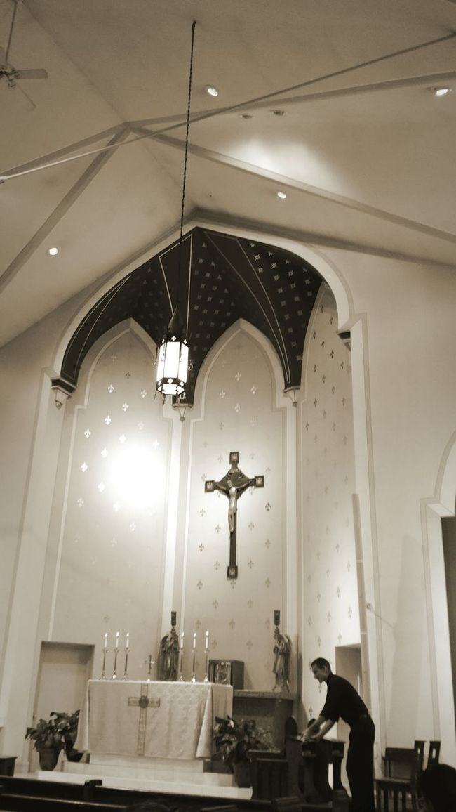 Lighting Equipment Indoors  Ceiling Illuminated Hanging Chandelier Low Angle View Architecture Arch Hanging Light Electric Light Architectural Column Day Interiors Architectural Feature Interior People And Places Church Indoors