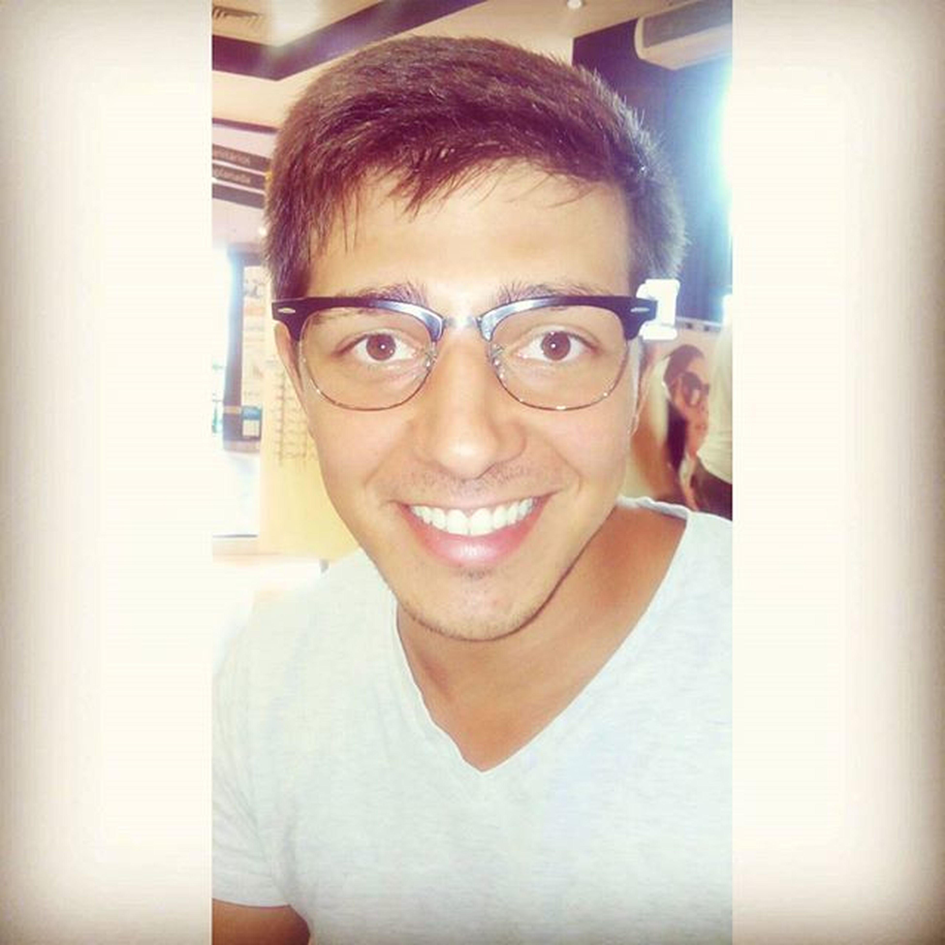 New version of me 👓😐 Glasses Look Style Selfie Smile Cute Rayban Picoftheday Me Face épróestilo Summer