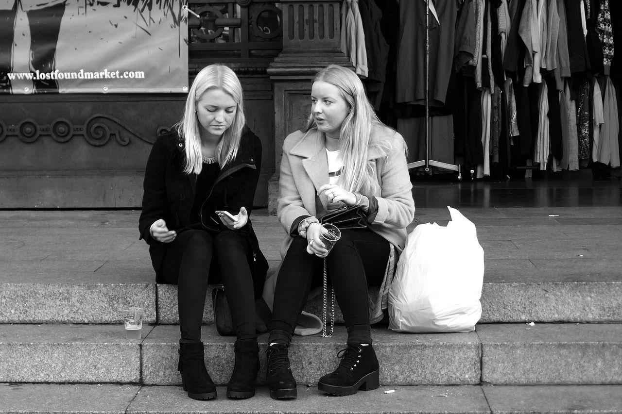 Monochrome B&w Street Photography B&W Collective Girls Barcelona Estació De França Lost&found