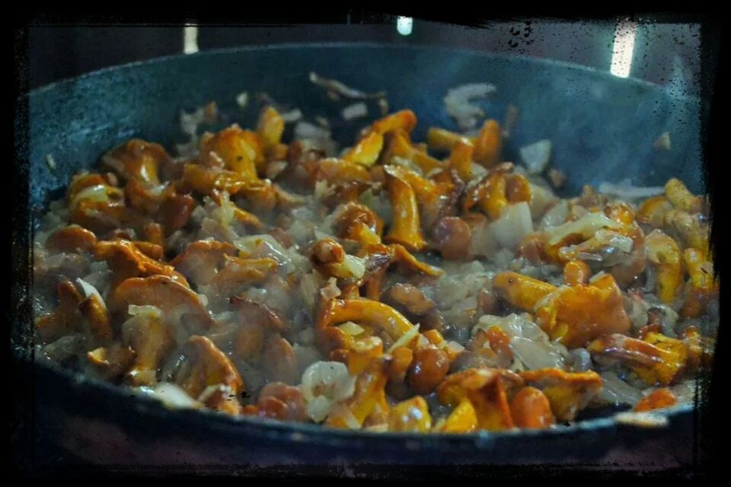 Check This Out Fresh Chantarelles , Onions..salt, pepper and #butter.