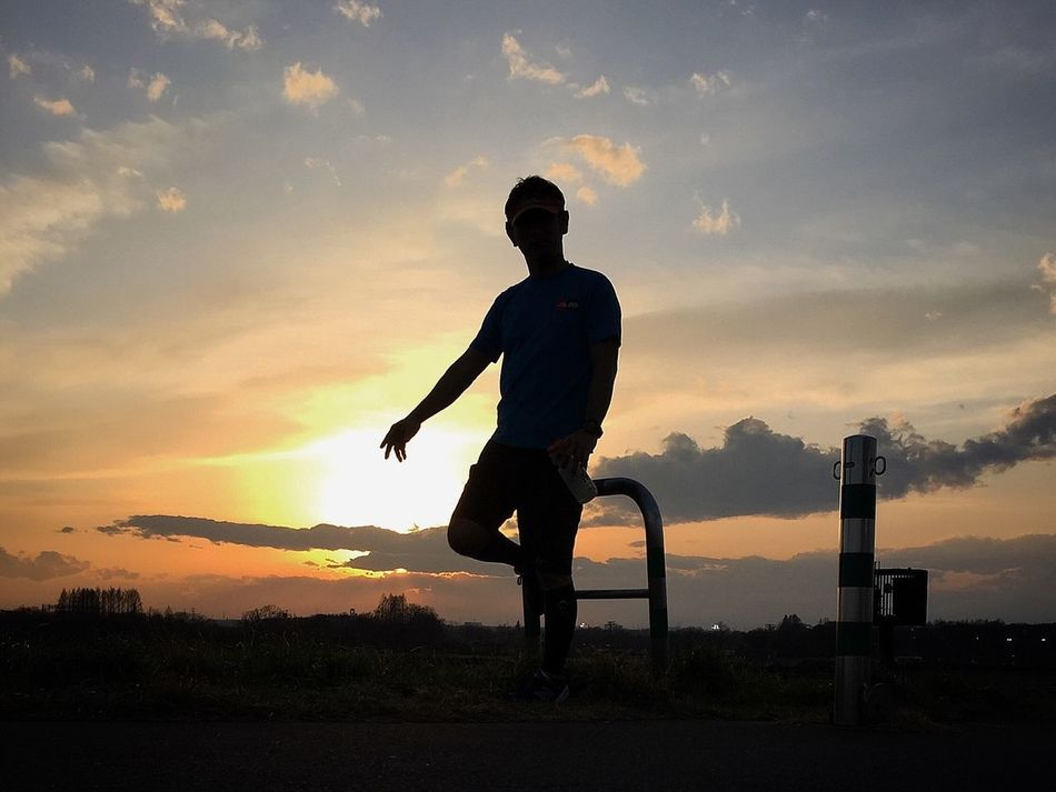 silhouetteは七難隠す😉💦 Beautiful Nature Enjoying The Sun Beautiful View IPhoneography EyeEm Best Shots Beautiful Day Peace And Love Myfavoriteplace Running Around Sunrise_sunsets_aroundworld Beautiful Sunset シルエットロマンス 楽しいひと時 Relaxing EyeEmBestPics