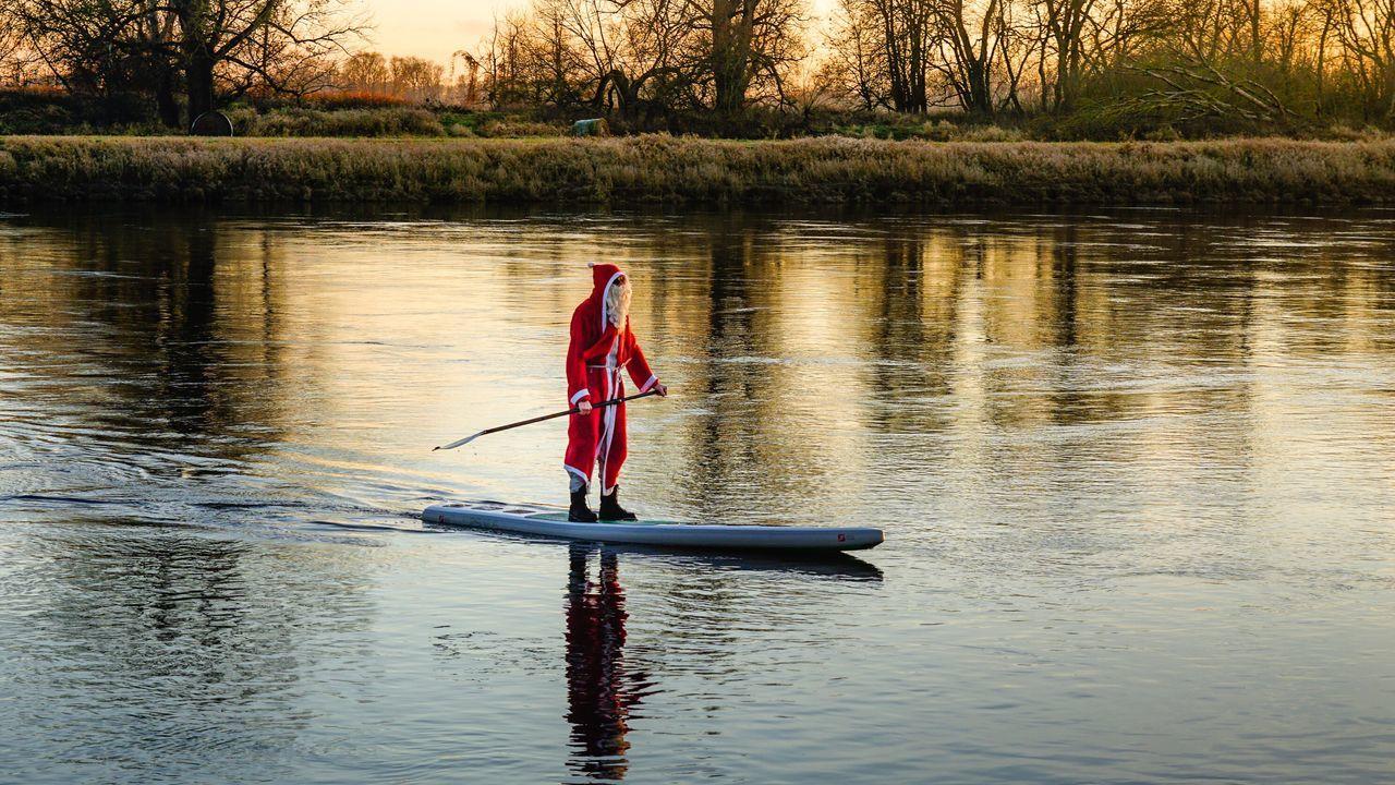 Beautiful stock photos of weihnachtsmann, water, lake, sunset, reflection