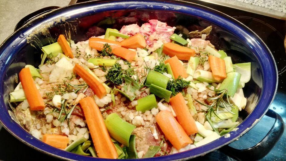 Osterlamm..... und ab in den Ofen 😂 Lamm Schmorbraten Food Pot Roast