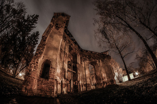Ruins of a castle. Architecture Damaged Outdoors Dark No People Street Photography Welcomeweekly New Talent This Week Landscape_photography Ruins New Talents Built Structure City