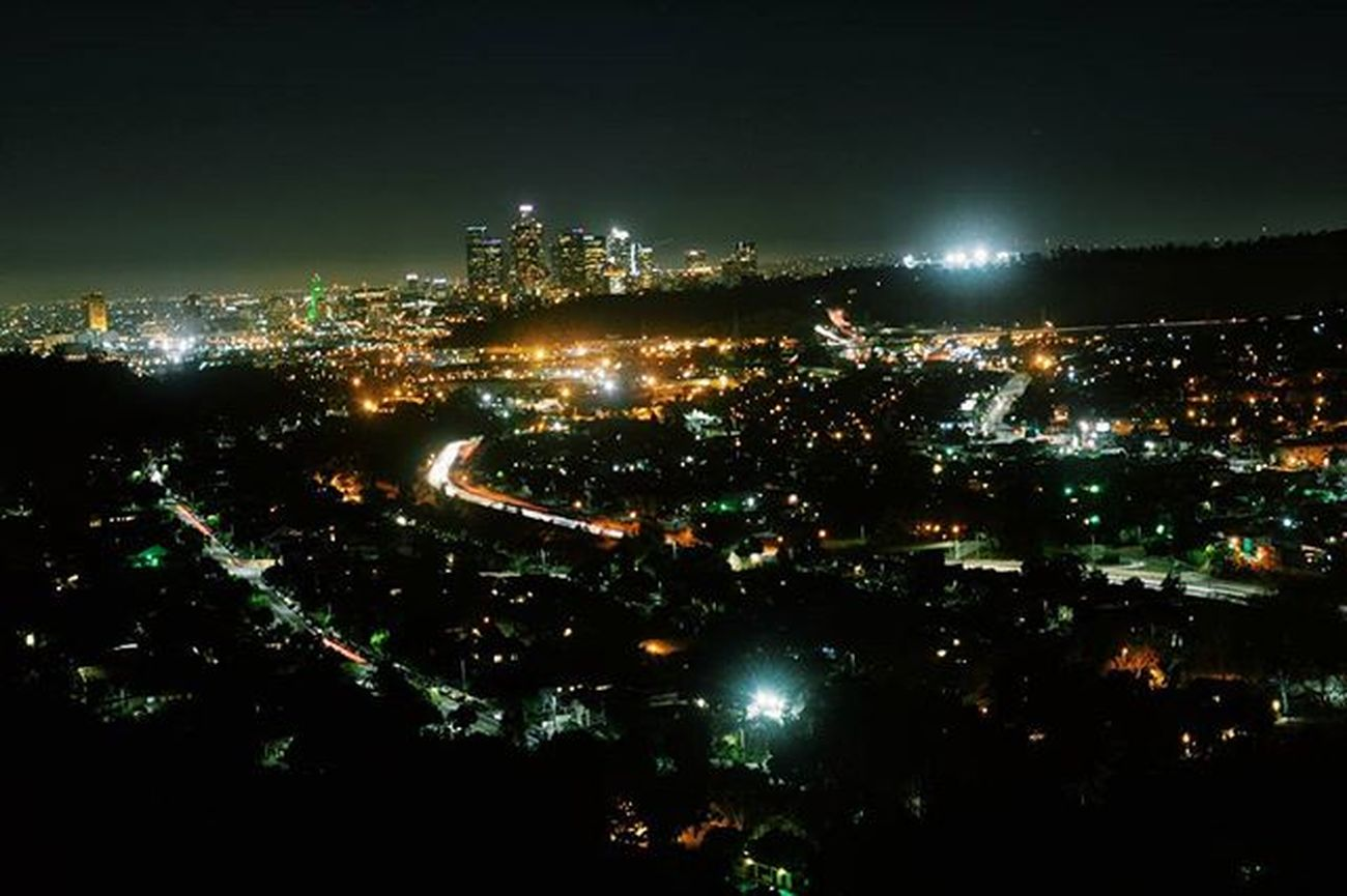 First time going to peanut lake @ night, definitely one of my favorite views 😁👌 DiscoverLA Conquer_la Conquer_ca Weownthenight_la ABC7Eyewitness Losangeles_la Wecapture_la All_shots Master_shots Nikon Uglagrammers Happeninginhighlandpark Nightphotography Socalshooters
