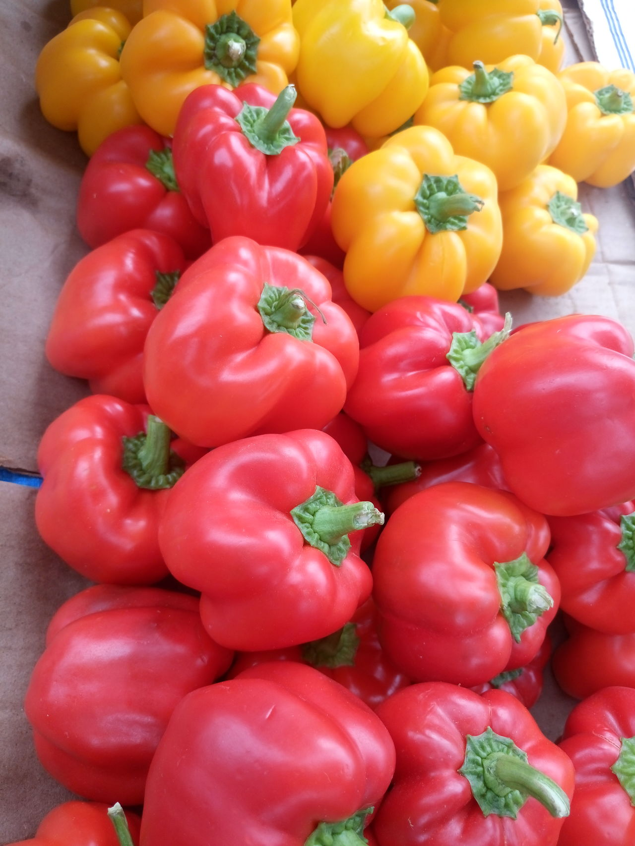 Backgrounds Bell Pepper Close-up Day Food Food And Drink For Sale Freshness Full Frame Healthy Eating Large Group Of Objects Market Nature No People Outdoors Red Red Red Bell Pepper Vegetable Yellow Yellow Bell Pepper