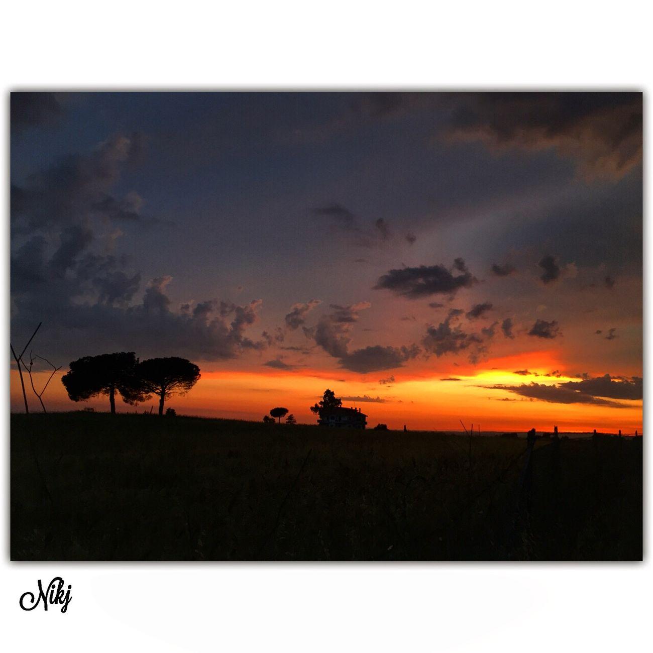 Particolaristupendi Sunset #sun #clouds #skylovers #sky #nature #beautifulinnature #naturalbeauty #photography #landscape Sunset #sun #clouds #skylovers #sky #nature #beautifulinnature #naturalbeauty Photography Landscape ? Tramonti__italiani