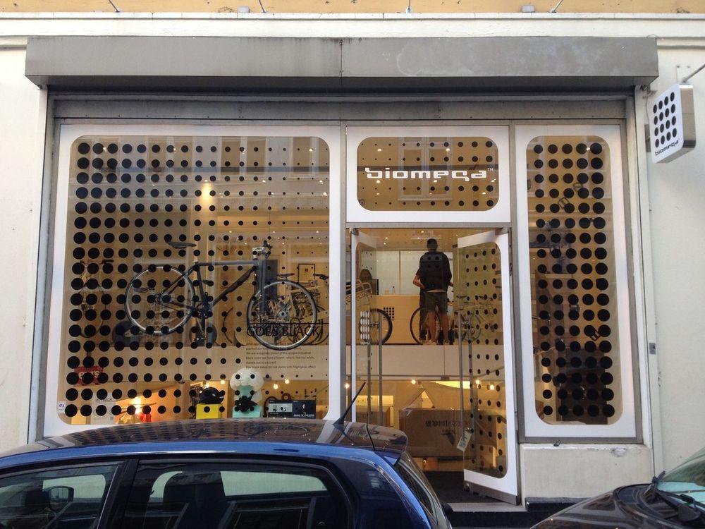 Biomega Bikes City Urban Urbanphotography Shop Windows Façade