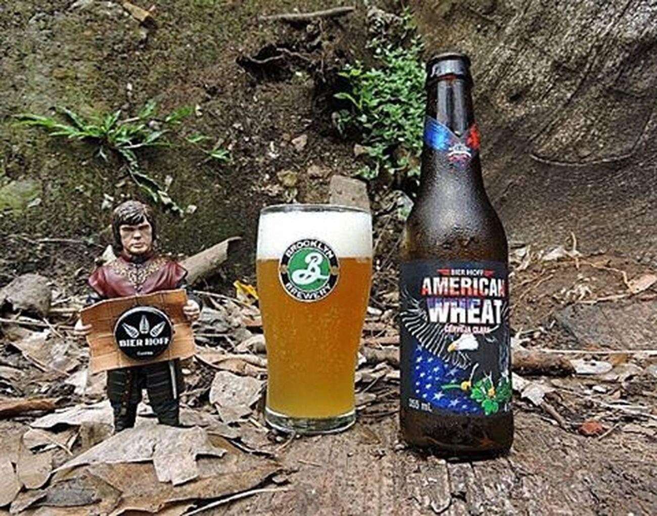 🍺 Bier Hoff American Wheat 🍺 Ganhadora da medalha de ouro no South Beer Cup 2015 na categoria German White & American Wheat & Rye. Cerveja de trigo do estilo American Wheat, bem diferente das alemãs essa tem como características os lúpulos. Primeira que tomei do estilo e achei top demais. Ótima combinação. País: Brasil Graduação alcoólica: 4,7% BierHoff Americanwheat 9ninebeers Cheers Cerveja Beer Beers Beergarden  Beeradvocate Beerlove Craftbeer Pivo Beerpics Beerlife Beergasm Beersnob Cerveza Craftbrew Birra Instabeer Instacerveja Beerstagram Craftbeerlife Cervejaartesanal Beergeek beertimebeertographybeerpornbeernerdbeeroftheday