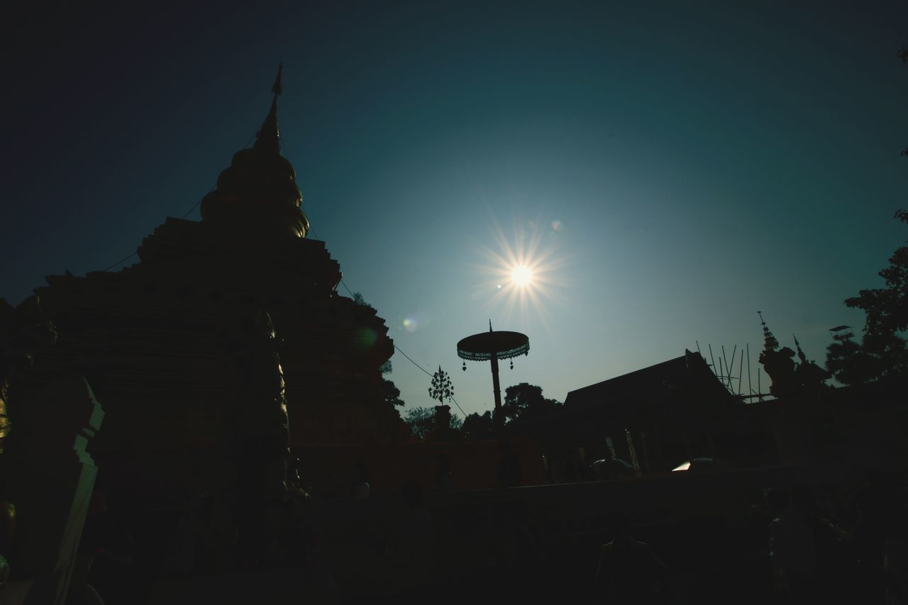 พระธาตุศรีจอมทอง Architecture Travel Destinations Statue Building Exterior No People Night Built Structure Outdoors Sky Chaingmaithailand วัดพระธาตุศรีจอมทอง Gold Thailand Temple Buddhist Temple Ancient Temple Architecture Sunset Silhouettes