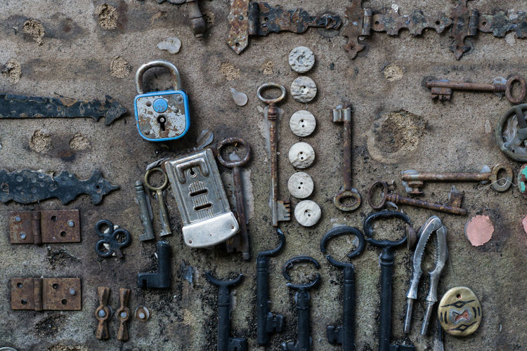 Key Photography Keys Pattern, Texture, Shape And Form Background Buttons Pattern Rust Metal Tools Vintage Workbench