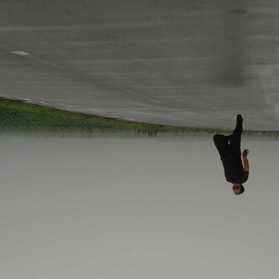 今日の浮遊 no app いやあ、昨夜はなかなか眠つけなかった。かなり時間をかけて夢の入口に辿り着いたんだけど、上も下もわからない世界でもがいてた。 #levitate #levitating #levitation #moonleap #jump #japan #me #浮遊 #浮遊部 #宮崎 #usamidai 浮遊部 Usamidai Me 浮遊人 Self 西都原 Fog Selftimer Funny Tumulus Jump 霧 Levitation Japan Levitating 浮遊 Moonleap 古墳 Whpjumpstagram Levitate 宮崎
