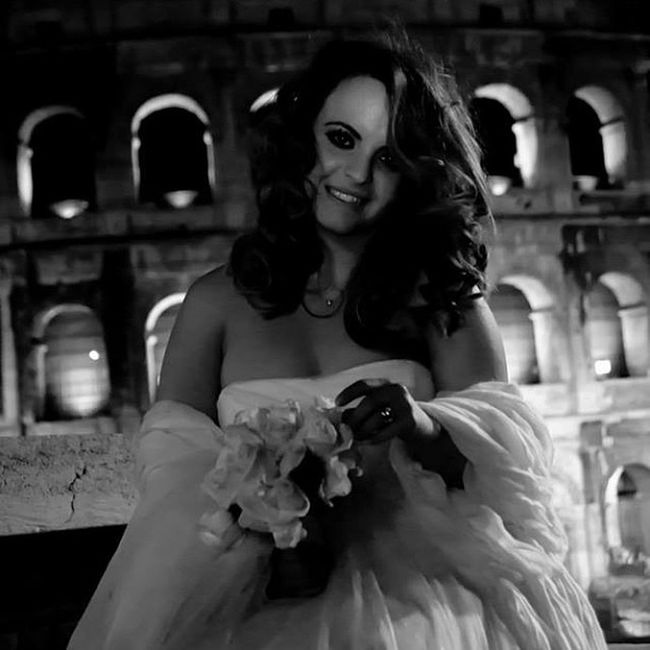 Wedding Married Alliance Bride Bridal Bouquet Black And White Colosseo Rome