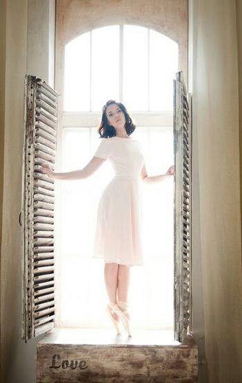 балет романтика девушка розовый окно пуанты