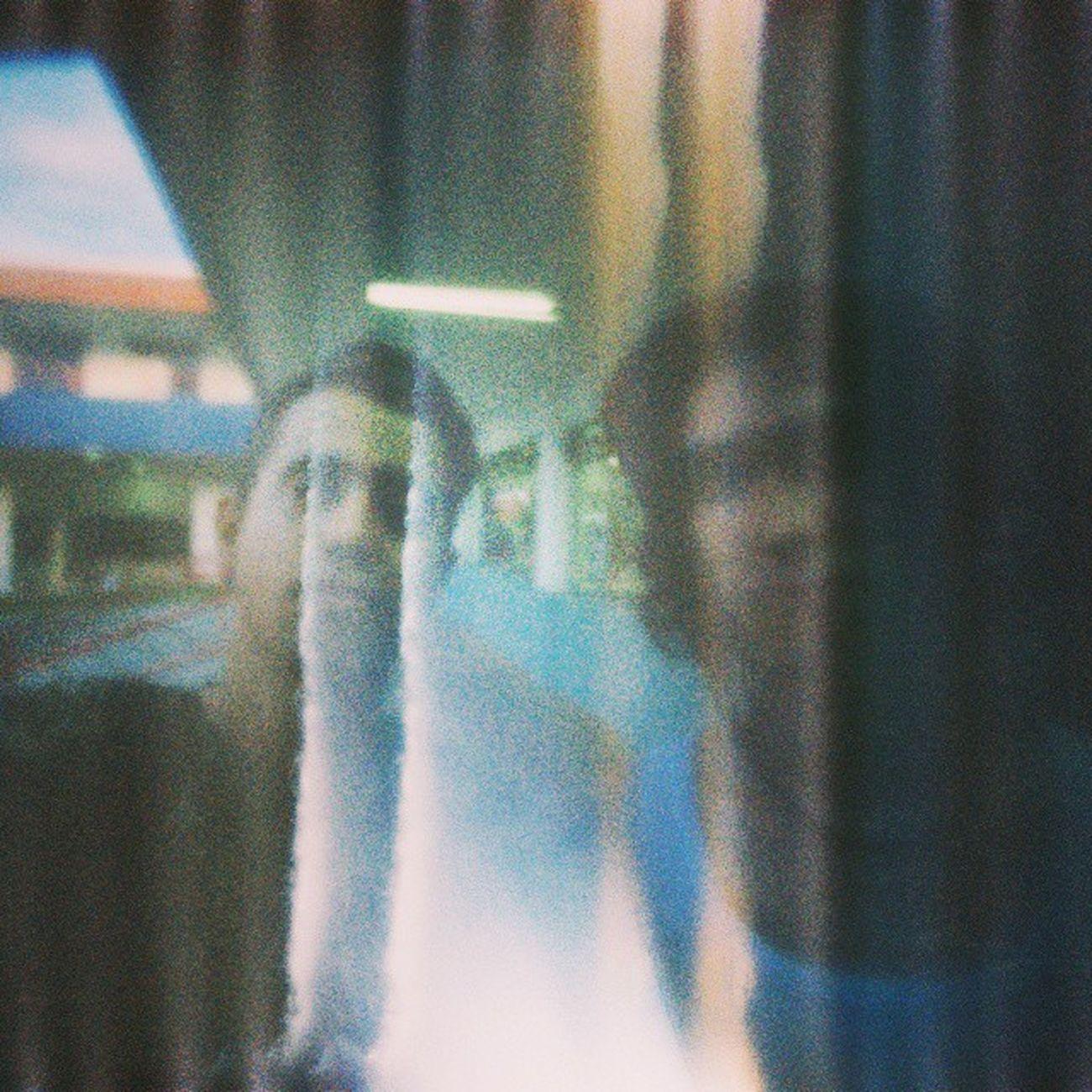 Não importa a câmera o self sempre é bem vindo. Brothers Self Pinhole Selfpinhole Cam Photography Film @leosumizon