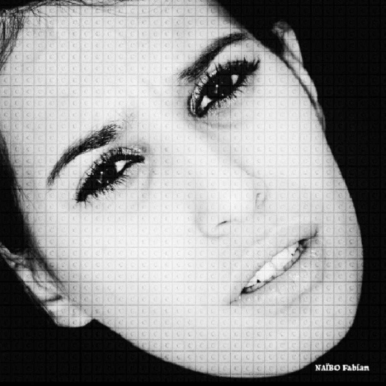 Woman Femme Fatale Beauté noir blanc noiretblanc sfx_excellence sfx_members yeux