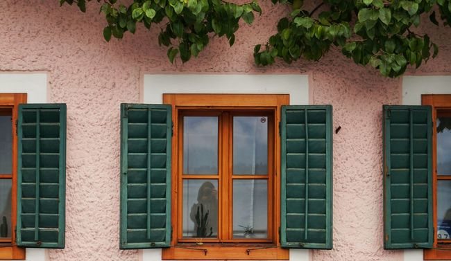 Architecture Window Building Exterior House Green Color Outdoors Window Frame Austria Hallstatt, Austria Taking Photos Taking Pictures Hanging Out With Friends Hanging Around