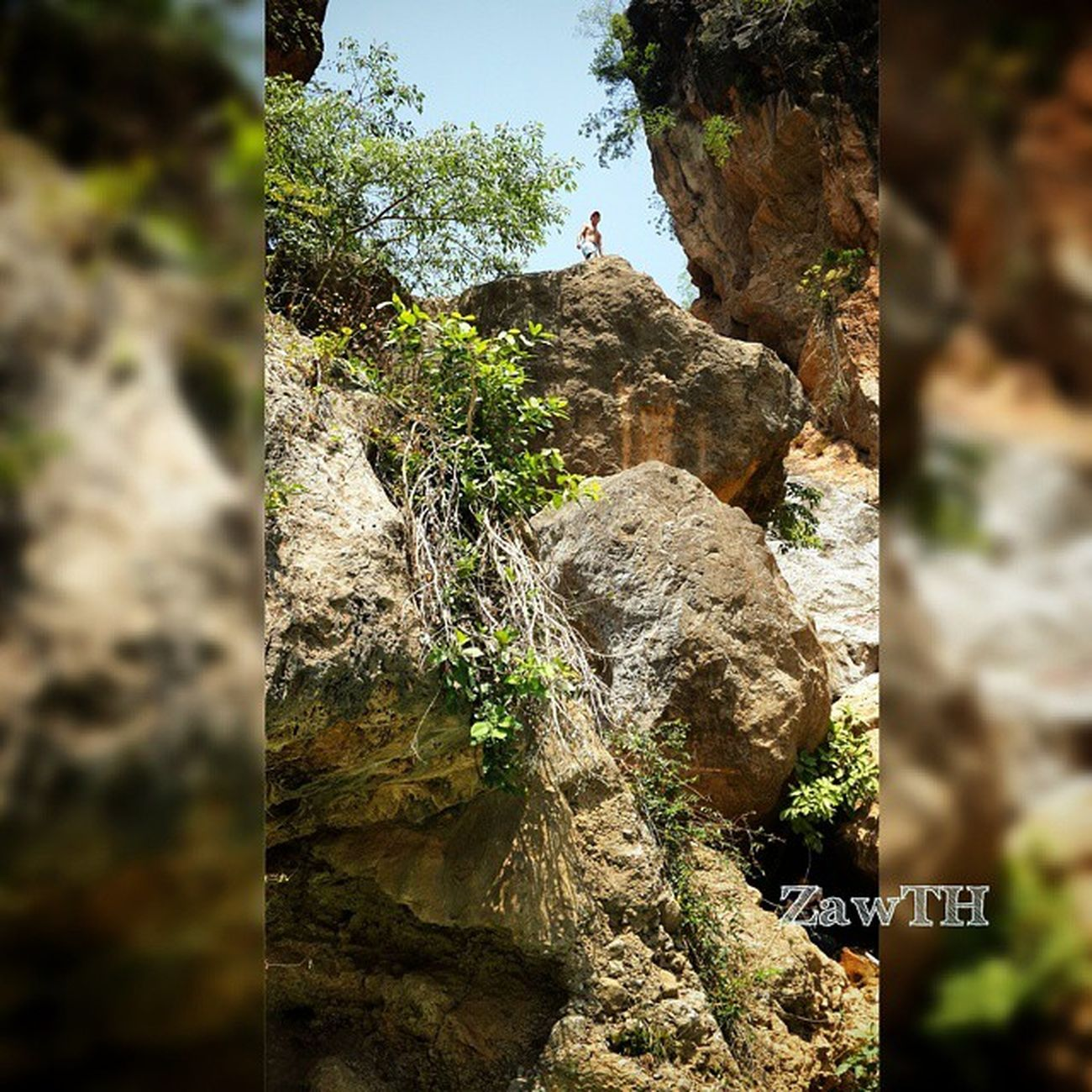 Can u see me? ✌ RockClimbing Waterfall Deedokewaterfall Cliff Adventure AdventureLovers Naturelovers Natureshot  Nature Mycapture Mandalay Myanmar Burma Exploremyanmar Myanmarphotos Igersmandalay Igersmyanmar Burmeseigers Igersoftheday Bsn_family Hiking Swimming Treaking Asianguy Burmeseguy nepaleseguy galaxygrand2 zawth