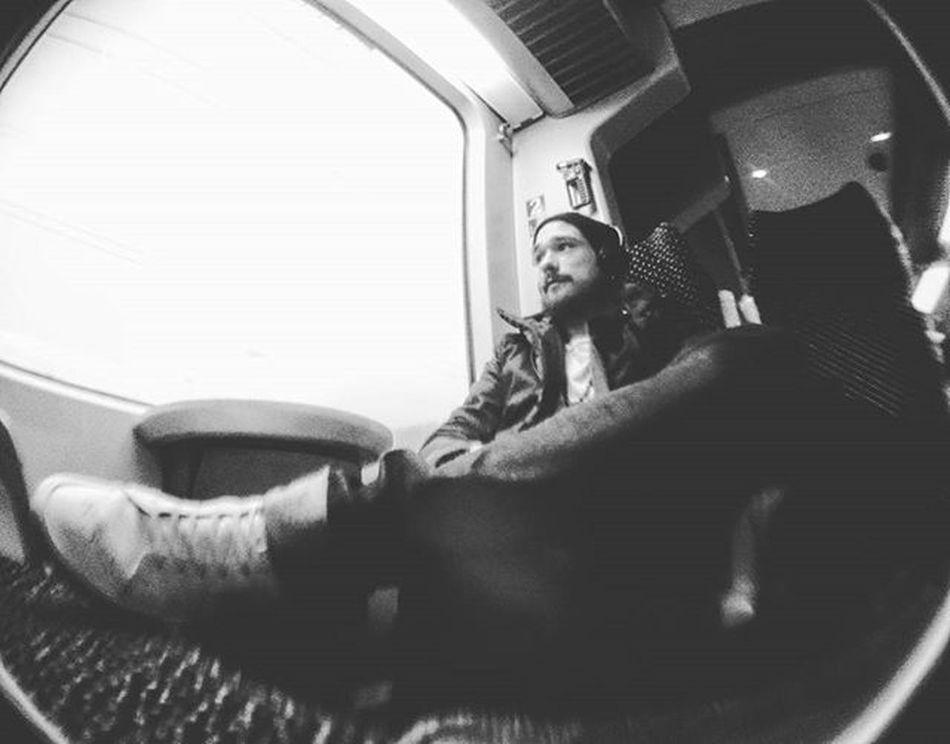 Daily Business StudyLife Bahnfahren Toninton Unbunt Blackandwhite