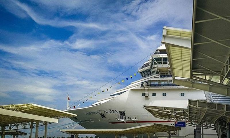 A year ago. :) Cruise Carnivalcruise  Carnivalglory Miami Vacation DreamVacation Onepluslife Oneplustech