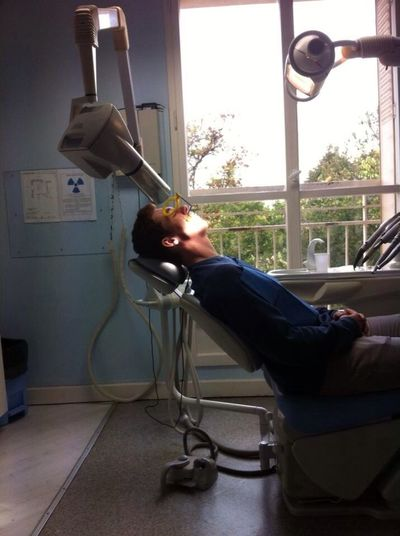 Petit tour chez le dentiste frangin