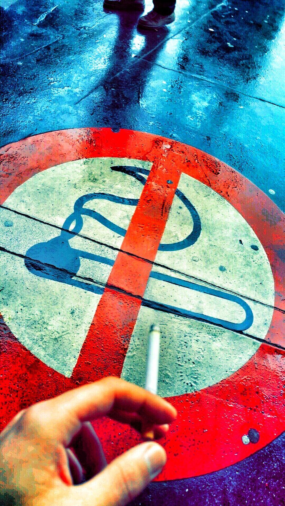 Smoking No Smoking No Smoking In Public No Smoking Sign First Eyeem Photo Cigarette  Interdit De Fumer Paris, France  Saint Lazare Snap Snapchat Snapseed Hdr_Collection