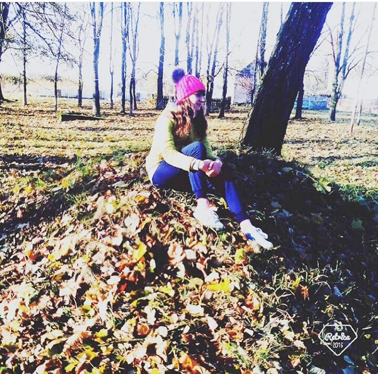 Осень так прикрасна ... Leisure Activity Day People Playing Millennial Pink Autumn Looking At Camera Flying High