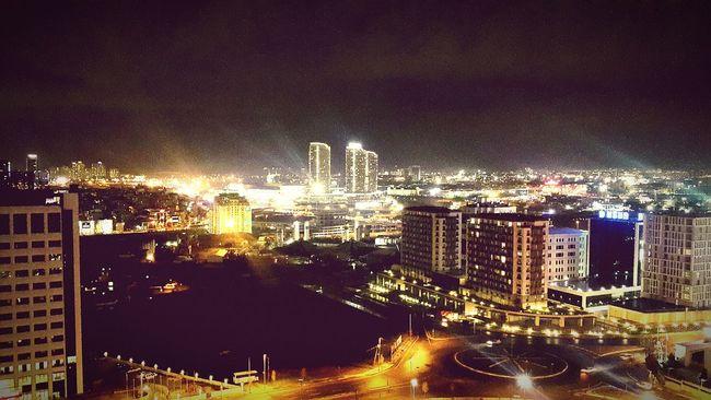 Istanbul ve gece... Istanbul Gecede Guzeldir Ikitelli Güneşli Gokdelen