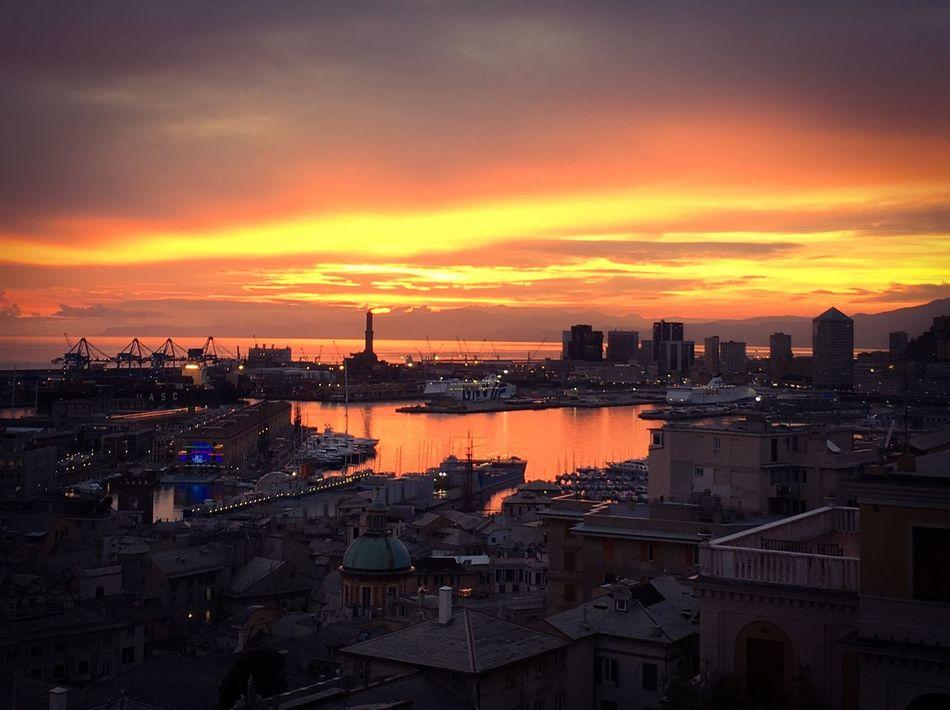 Cityscape Cloud - Sky Dramatic Lights Harbor LA LANTERNA Di Genova Panorama Spianata Castelletto Sunset