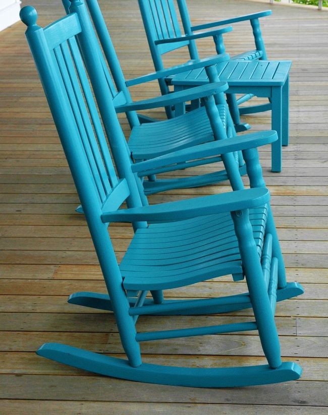 Waiting for Spring Chair De In A Row Martha's Vineyard Old Rocking Chairs Rocking Chairs Table Teal Teal Chairs Wood - Material Wooden