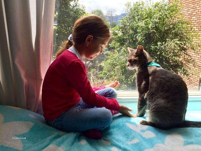 Friends... Enjoying Life My Cat No Edit/no Filter EyeEmBestPics EyeEm Best Shots Love Lovely Girl Happy