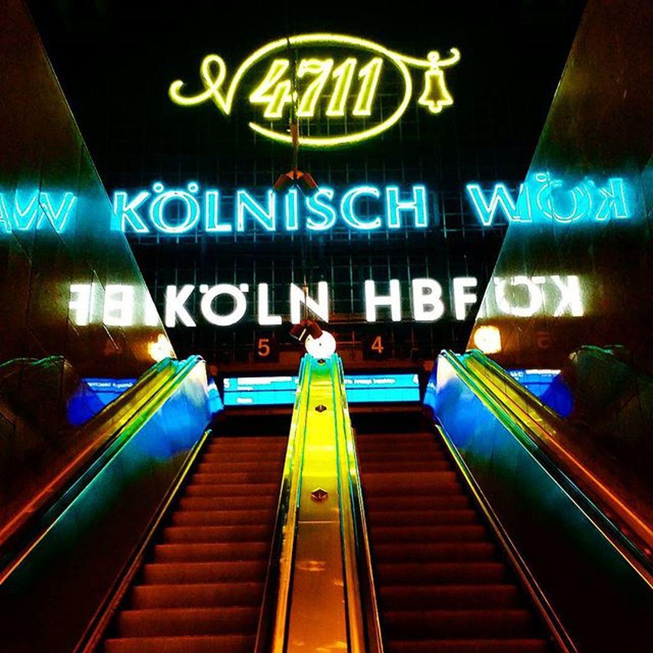 Köln Germany Dbahn Hauptbahnhof Escelator Colors Advertising Midnight LeftOrRight Upordown Decisions Dream VSCO Vscocam Instagram Instatravel