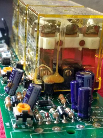 No People Indoors  Close-up Electronics  Electronica Components Capacitors Resistencia Capacitor Diode Diodo Relay LED