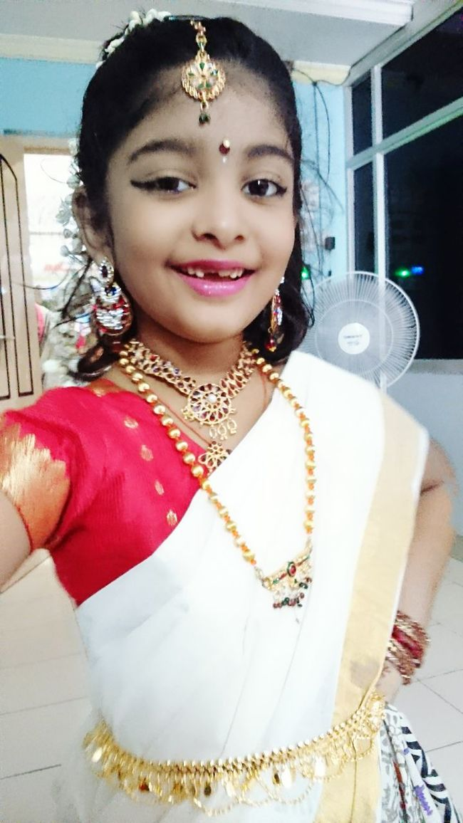 Eyeem Photography Kids Photography Selfie Portrait Kids Girl Baby Selfie✌ Fancy Dress Competition South Indian Style Saree Fashion Saree Kerala Style