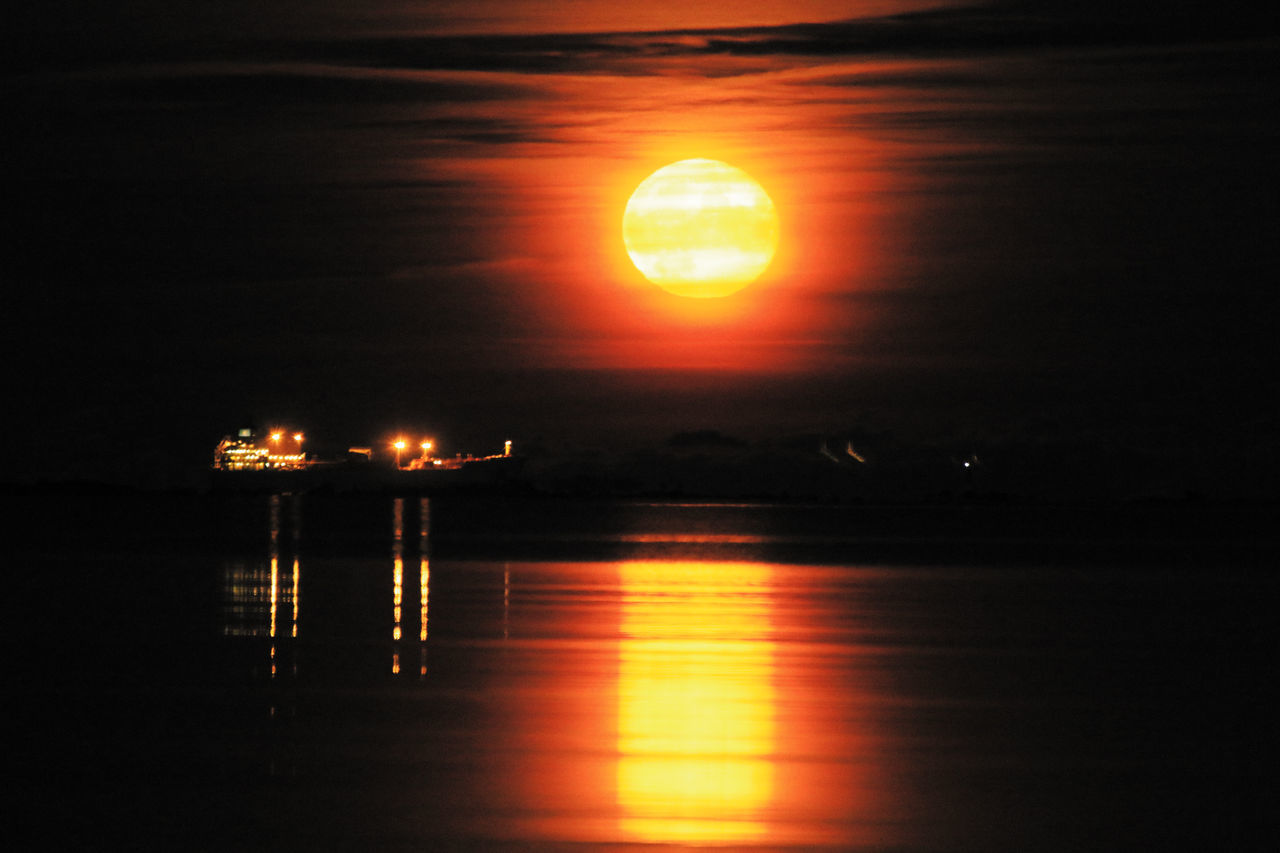 sun, sunset, orange color, reflection, glowing, illuminated, no people, sunlight, water, beauty in nature, nature, scenics, outdoors, sky, sea, horizon over water