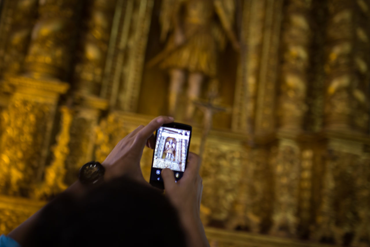 Taking pictures with a smartphone inside a church in India Always Church Communication Digital Digital World Everywhere Goa Holding Holidays India Indian Mobile Mobilephotography Photography Screen Sightseeing Smart Phone Taking Pictures Technology Tourism Vacation Wireless Technology