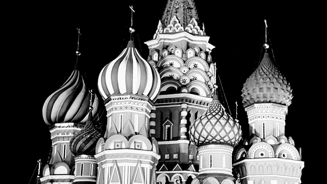 No People Archival Illuminated Night Kremlin Architecture Russia Kremlin Nightphotography Ortodox Church Place Of Worship St. Basil's Cathedral St. Basil's Cathedral In Moscow Travel Destinations Architecture Red Square Moscow Dome Night Photography Red Square Moscow Russia Church Black And White Photography Blackandwhite Photography City Travel Cultures