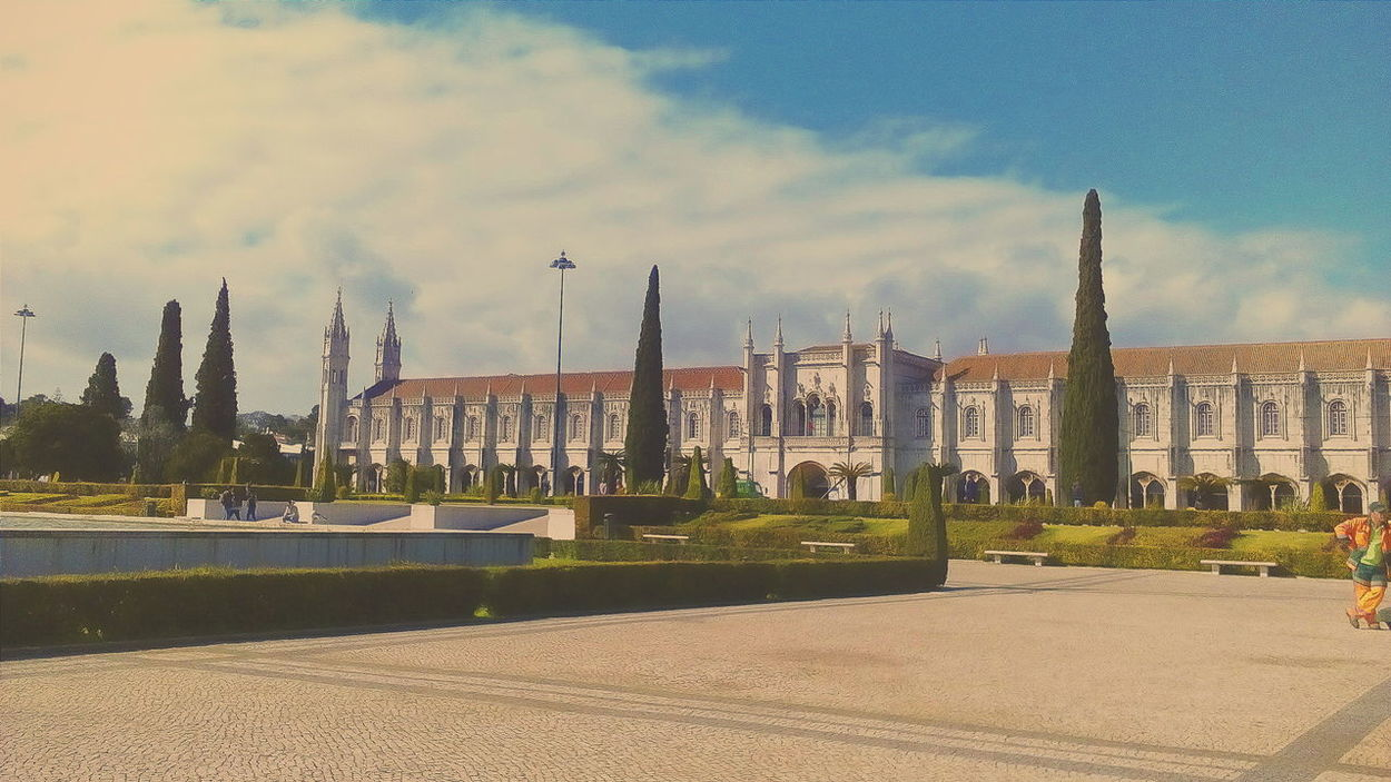 Pastel Power Eyem Best Shots Eyemportugal Eyemphotography Enjoying Life Yeah Springtime! Relaxing From My Point Of View Garden The Week On Eyem Taking Photos February 2016 Check This Out Fountain Lisbon Eyem Gallery Popular Photos Old Architecture Venividivici History Mosteiro Dos Jerónimos Monastery