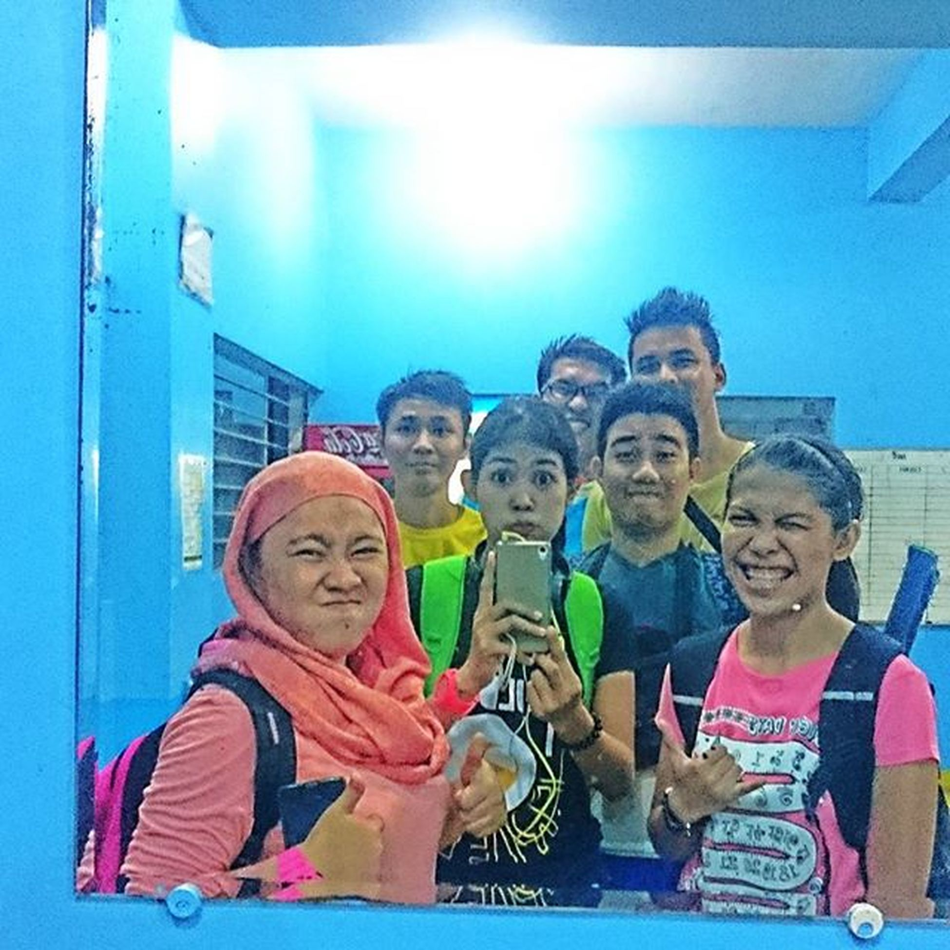 31st of July 2015 despite of heavy rain, we play. It's time for shuttleflicks, after a long rally of shuttlecock! Latepost Mirrorgroufie Volanotormentone Smashday Shutterflicks Sweatsmash Fairplay Sonyverse SonyGLens XPERIA ICAN Peskies 👍👌😁😊😄😉📷