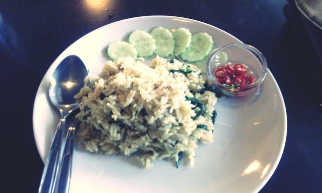 ข้าวผัดแกงเขียวหวานไก่ อร่อย