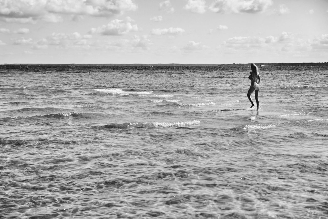 Woman walking on the sea...Sea One Person Water Silhouette Horizon Over Water Beach Nature Day Ocean Photography Beachphotography Miracle Walking On The Ocean Walking On Water Woman Walking On Beach Woman Walking On Water Girl On The Shore Girl On The Sea Beach Photography Seascape Sea Photography Woman Walking Atlantic Ocean Sommergefühle The Week On EyeEm Illusion Done That. Lost In The Landscape Black And White Friday Be. Ready.