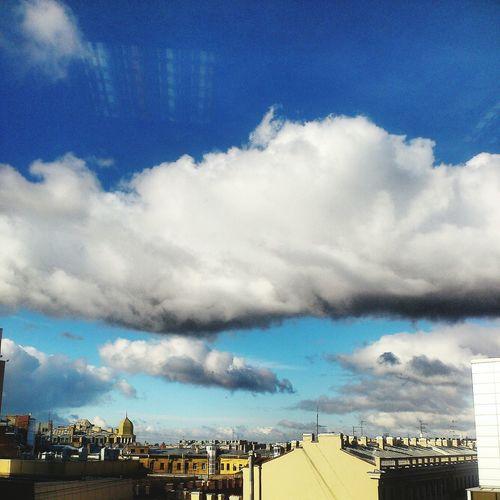 Небо Петербурга сегодня