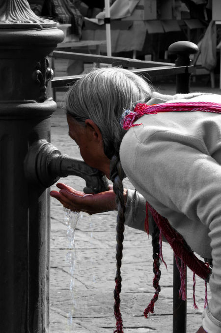 Drinking Florence Florence Italy Gipsylife Gypsy Old People Old People, Man People Pink Water Women The Street Photographer - 2017 EyeEm Awards